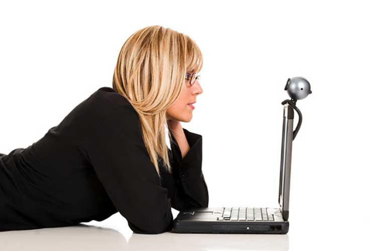 mulheres em encontros online